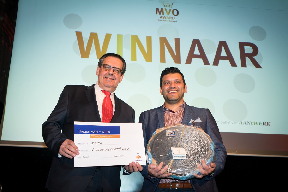 Holland Recycling wint MVO Award.jpg